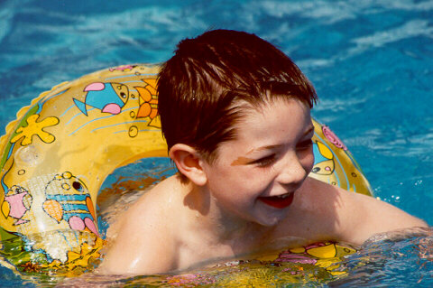 [Joshua in a friends pool - August 2000]
